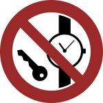 Mitführen von Metallteilen und Uhren verboten