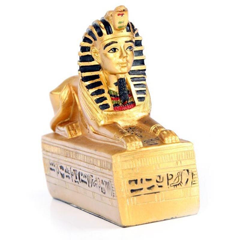 Goldene Ägyptische Sphinx auf Hieroglyphenuntergrund