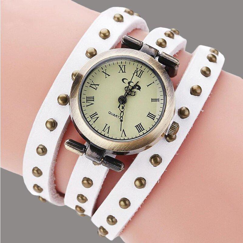 Retro Armbanduhr in Weiß