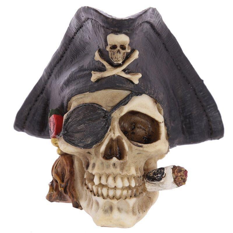Piraten Schädel Deko mit Piratenhut und Zigarre