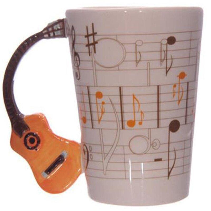 Keramik Tasse mit Noten und orangen Gitarrenhenkel von Ted Smith